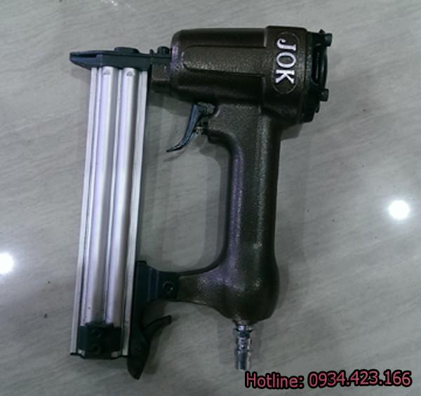 súng bắn đinh dùng khí nén