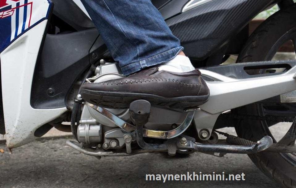 cách về số xe máy không bị giật